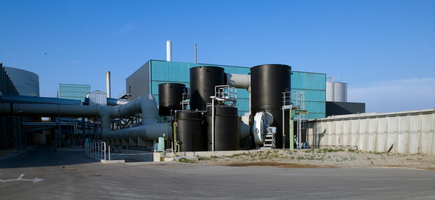 The design of the household waste facility in Métropole Aix-Marseille Provence, built and operated by the Urbaser group, is a perfect example; a pioneer nationally, with a comprehensive and multi-utility management of household waste